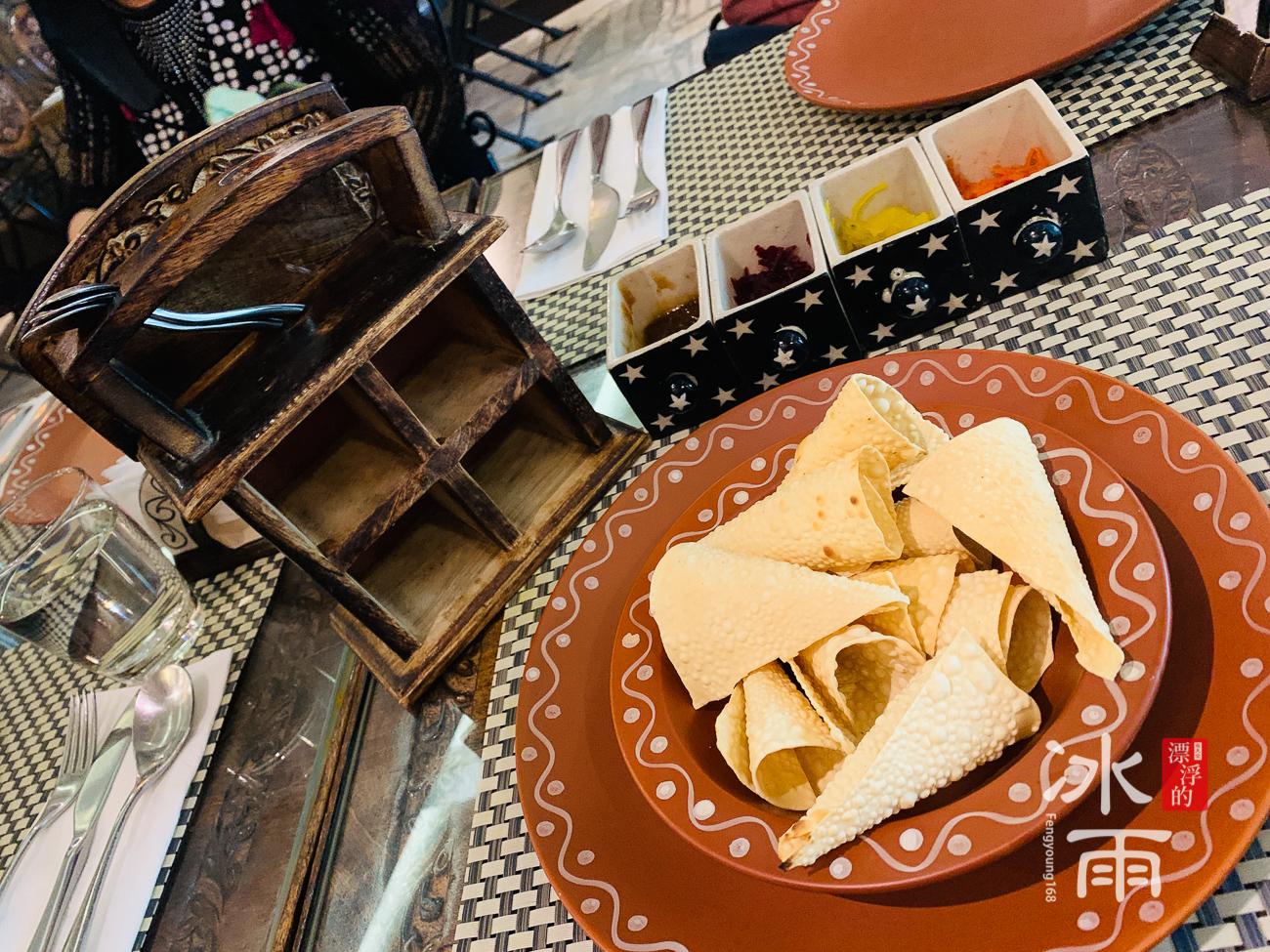 莫夏印度餐廳Moksha|招待烤餅