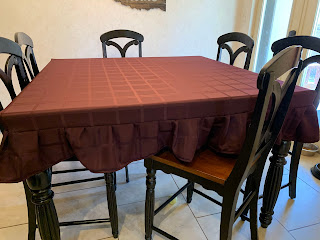 DIY Fitted Ruffle Tablecloth