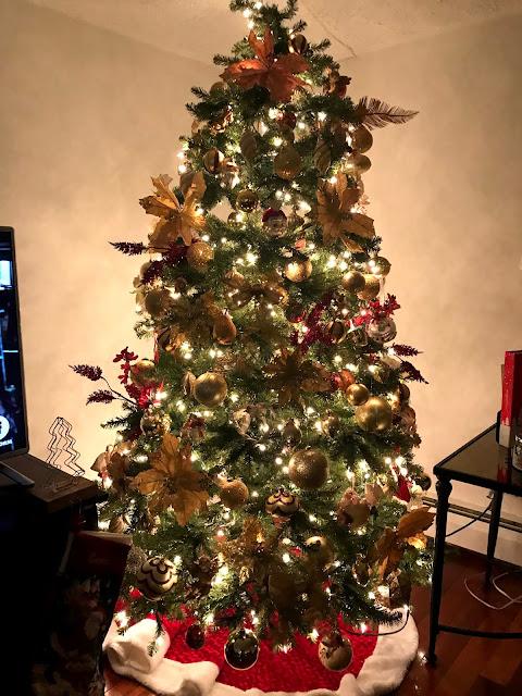 christmas tree-christmas decor