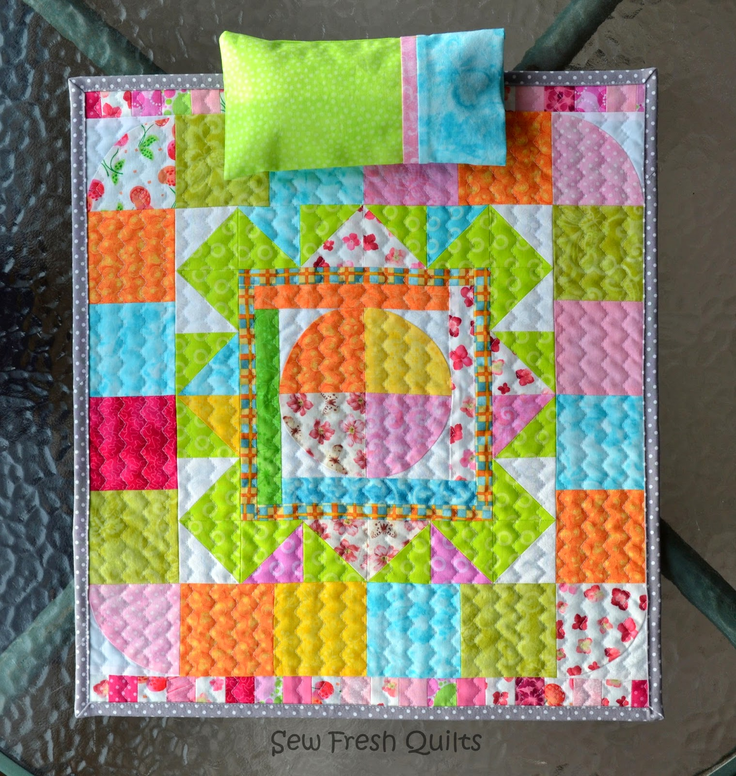 & Sew Fresh Quilts: Pillow Case Tutorial with French Seams pillowsntoast.com