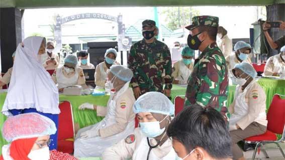 Serbuan Vaksinasi TNI hari kedua
