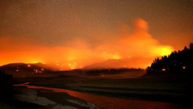 MUNDO: Un nuevo récord temperatura y más incendios forestales golpean a Canadá y EE. UU.