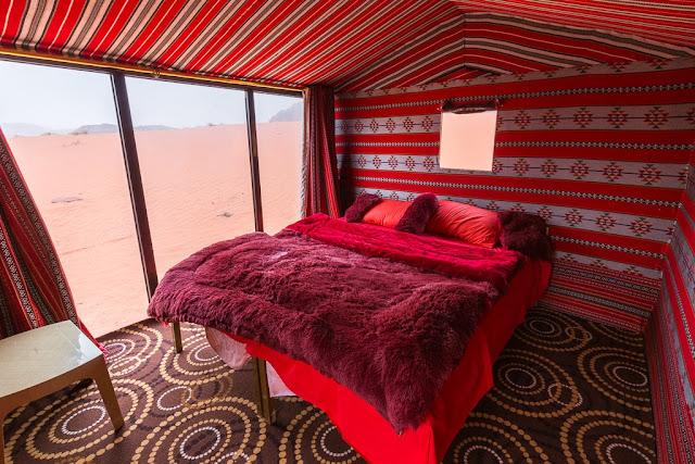 Habitación con pared de cristal Wadi Rum Starlight Jordania