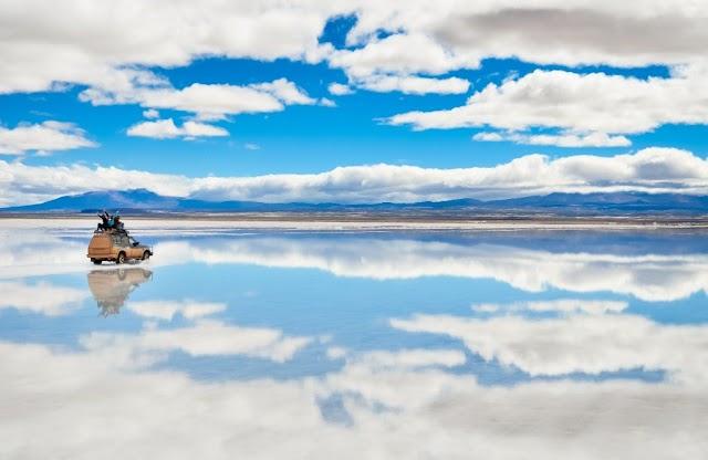 Largest Natural Mirror In The World In Salar De Uyuni