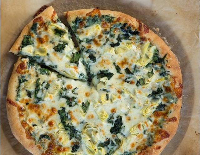 Vegan Spinach Artichoke Pizza #pizza #vegan