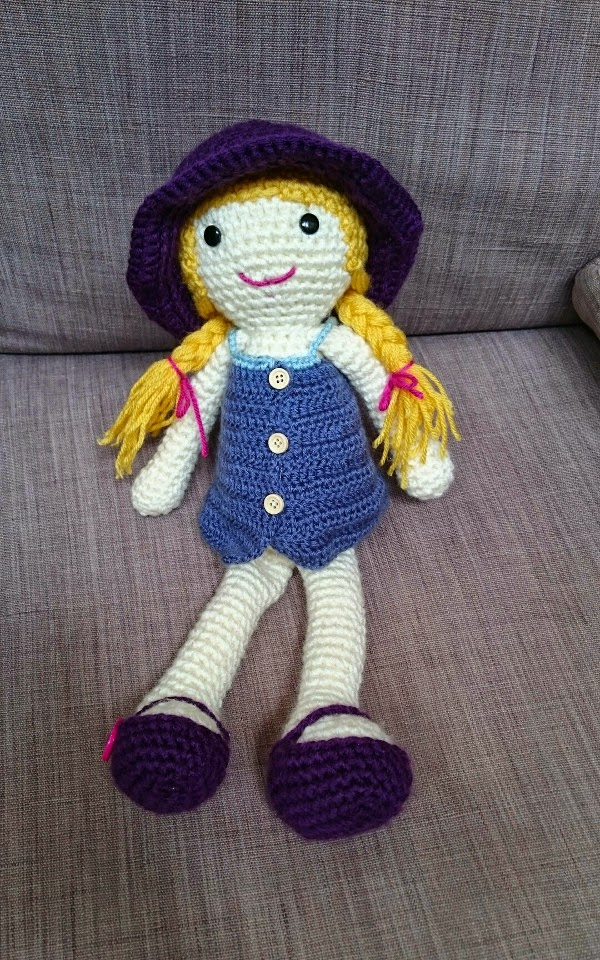 Honey Pie Amigurumi Dress-Up Doll with Picnic Play Set: Crochet Patterns  for 12-inch Doll plus Doll Clothes, Picnic Blanket, Barbecue Playmat &  Access: Amazon.de: Wright, Linda: Fremdsprachige Bücher | 960x600