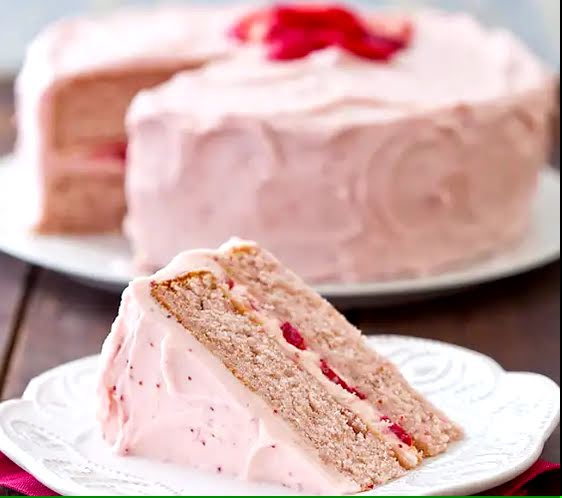 How to Make Strawberry Dream Cake