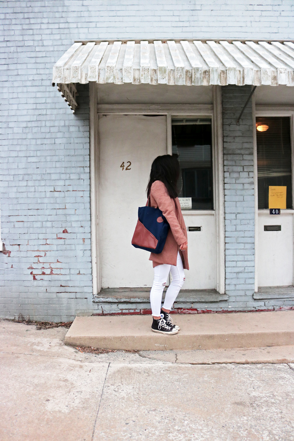 Calila Commuter Tote, Neutral Outfit