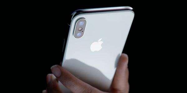 Thay mới linh kiện iPhone X lấy ngay tại Maxmobile