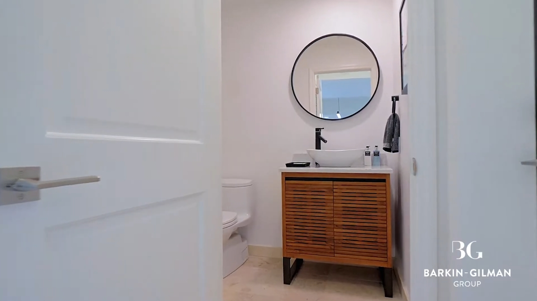 29 Interior Photos vs. 713 Solar Isle Dr, Fort Lauderdale, FL Luxury Home Tour