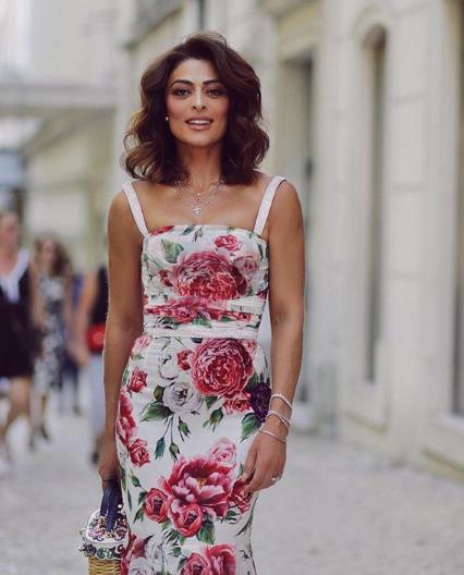O vestido floral da Juliana Paes em Portugal