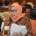 Anggota DPR Endang Setyawati Tebar Ribuan Bioflok Lele di Bogor
