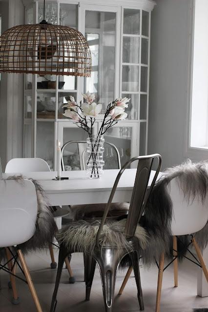 annelies design, webbutik, webbutiker, webshop, nätbutik, inredning, dekoration, magnolia, bukett, buketter, blomma, blommor, vas, vako, smaelta, konstgjord, konstgjort, konstgjorda, växter, kök, matplats, ljusstake, ljusstakar,