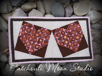 Chocolate Hearts Mug Rug