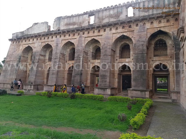 Information about hindola mahal