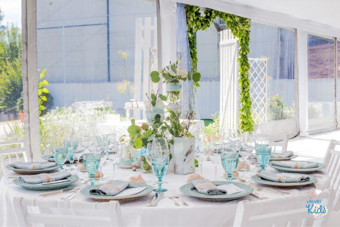 decoração_floral_mesa_convidados_batizado_visi_vici
