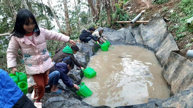 Trường học vùng cao chắt chiu nước duy trì hoạt động dạy học