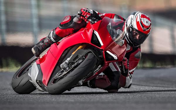 Ducati Panigale V4 2021