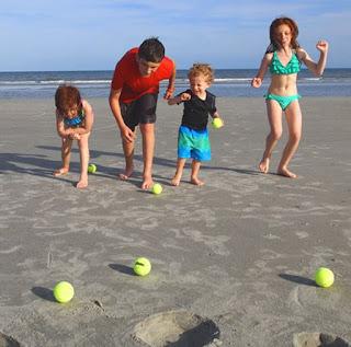 Ideias de Brincadeiras para divertir as crianças na Praia