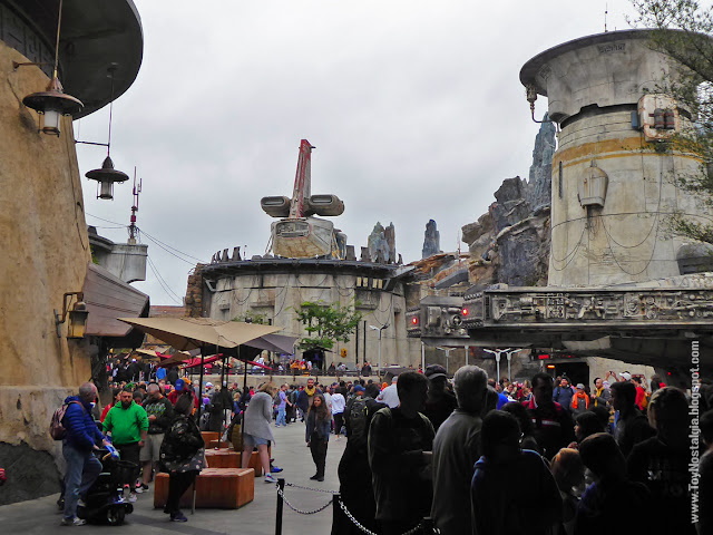"El puesto de avanzada ""Black Spire Outpost"" STAR WARS: Galaxy's Edge"