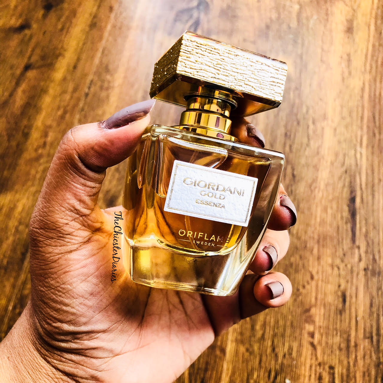 Giordani Fragrances By Oriflame The Perfect Christmas Gift Gold Body Cream Essenza Results Parfum Is Housed In A Luxurious Yet Chic Glass Bottle Where Cap Of Made Real Leaf