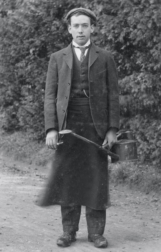 A North Mymms gardener in the 1900s Image from P Grant / G Nott, part of the images of North Mymms collection