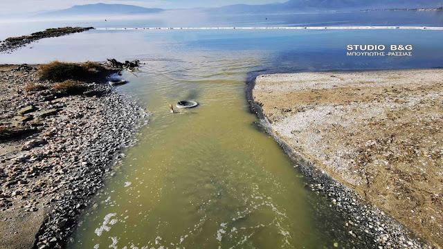 Θλιβερή εικόνα στην Αργολίδα από την θαλάσσια ρύπανση του βιολογικού (βίντεο drone)