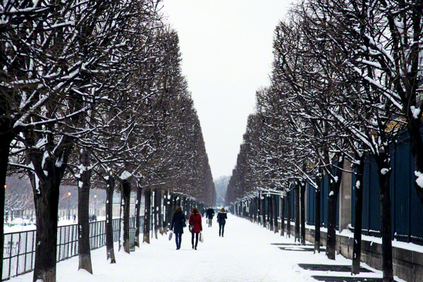 Quando tem neve em Paris
