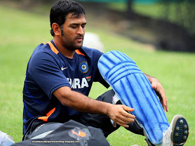cricketer mahendra singh dhoni ki photo