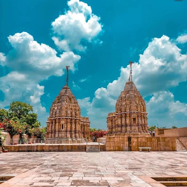 Saatbees Jain Temple !! !! Chittorgarh Fort !!