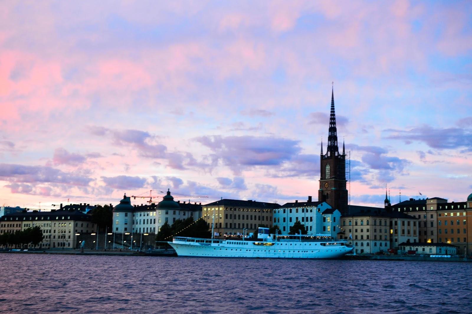 city stockholm happy ending malmö