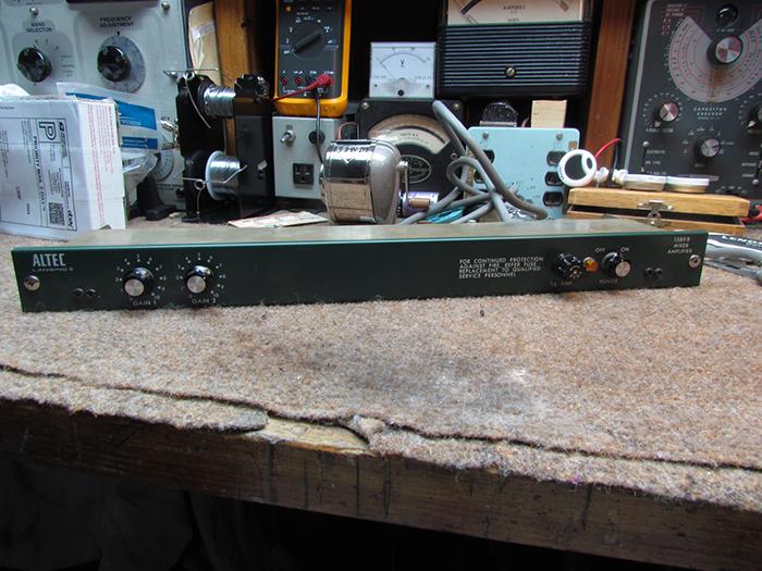 Altec 1589B Preamp Mixer Rebuild and Upgrade, Pt  1 Crawls