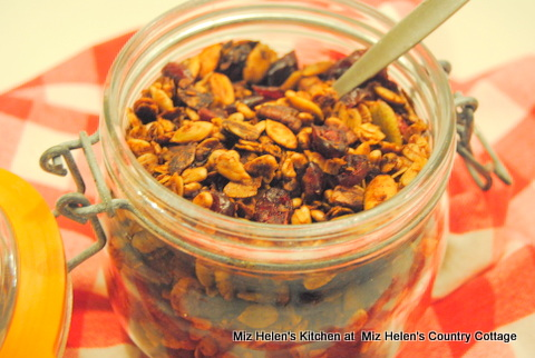 Spicy Cranberry Granola at Miz Helen's Country Cottage