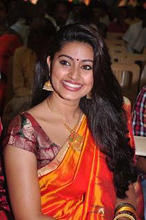 south indian tamil actress celebrity sneha in designer beautiful silk saree photos