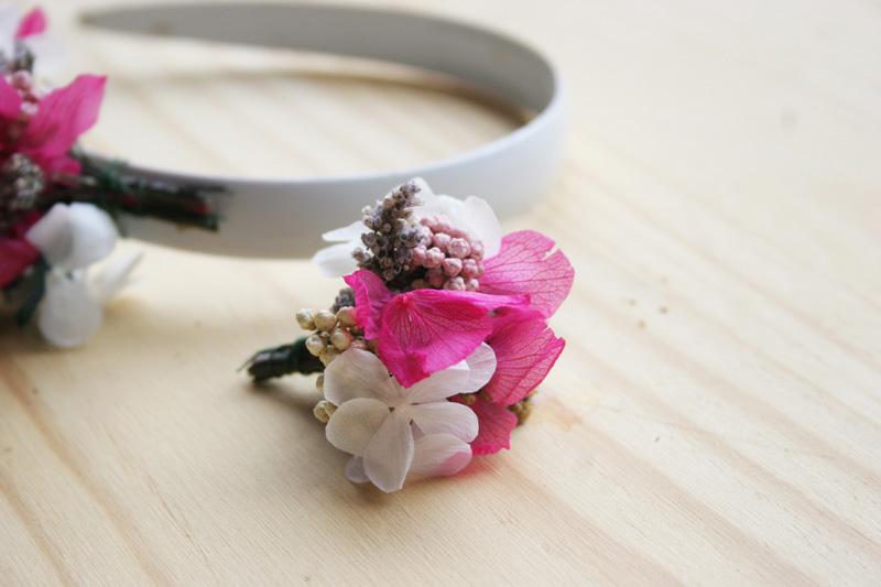 DEF Deco - Decorar en familia: Diy diadema de flores preservadas y secas6