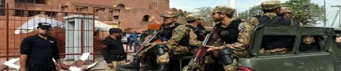Bomb Targets Police Van In Southwest Pakistan, Kills Officer