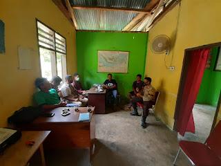 Bhabinkamtibmas Polsek Masamba Silaturrahimi ke Desa Binaan