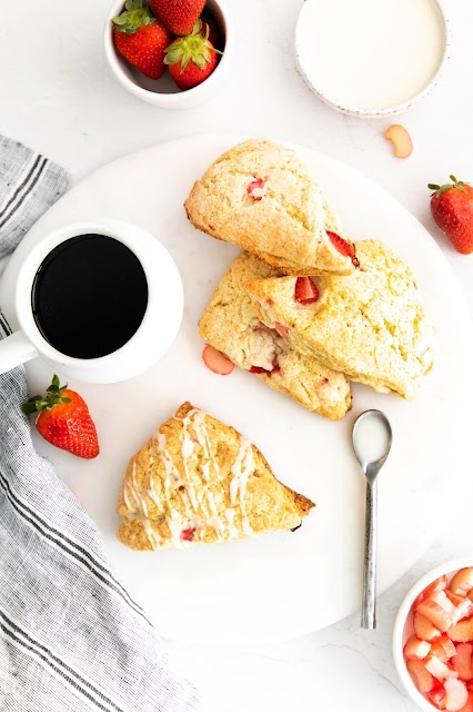 scones with coffee and strawberries