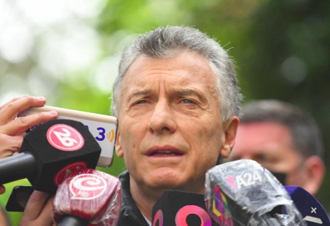 """Macri votó y dijo que """"comienza a definirse qué tipo de país queremos"""""""
