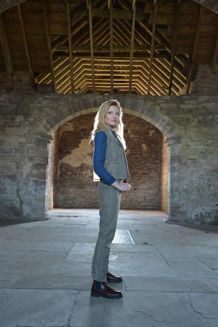 solveig scotland lady tweed luxury fashion tartan cordings edinburgh scottish blogger