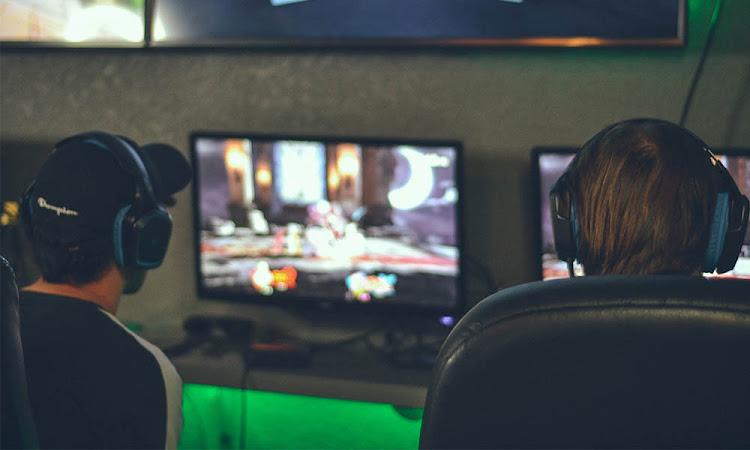 Apa Saja Sih yang Dilakukan Oleh Profesional Gamers?