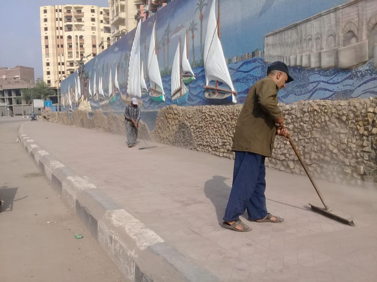 بالصور.. رفع ٢٤٥حالة إشغال وحملات نظافة مكبرة بمركز ومدينة دمنهور .