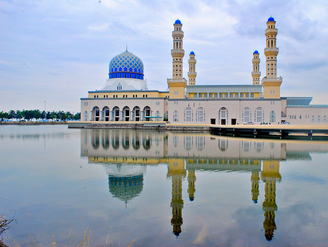 Josh Uy in City Mosque Likas Bay Kota Kinabalu