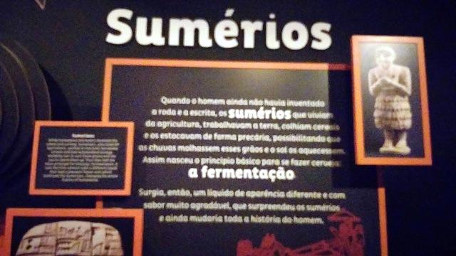Um túnel do tempo que conta a história da cerveja desde os Sumérios