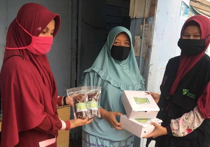 Dompet Dhuafa Volunteer Sebar Paket Berbuka Puasa