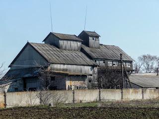 Лысовка, Покровский р-н, Зерноток