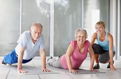 tập yoga cho người cao tuổi
