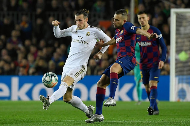 Bale in action during the El Clasico, Bale start, El Clasico result, El Clasico