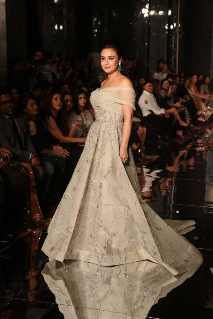 Preity Zinta Ramp Walk At Lakme Fashion Week-LFW 2017 Stills