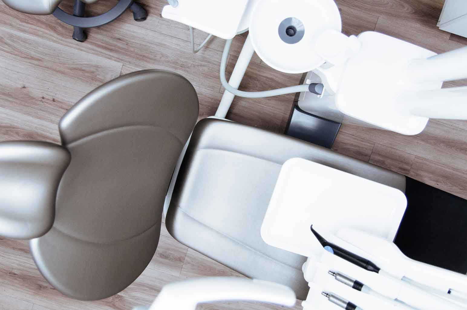 Easy Tips That Will Help Take Care Of Your Sensitive Teeth While You're Traveling